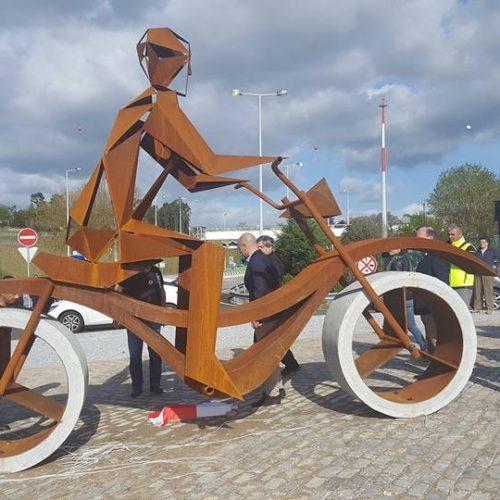 Monumento de homenagem aos motociclistas inaugurado em Penafiel