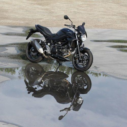 Nova Suzuki SV650 SE: edição especial que reforça a presença estética