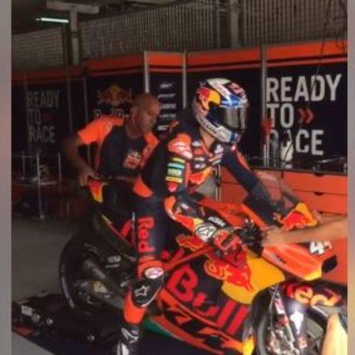 Vídeo | O momento em que Miguel Oliveira testou pela primeira vez uma MotoGP