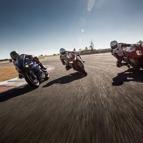 Battlax Racing R11: Bridgestone aposta em nova era de pneus 'slick' com ranhuras