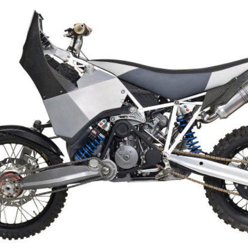 Guido Koch mostra como fez moto de tração às duas rodas