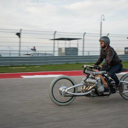 Esta é uma moto feita a partir de um motor