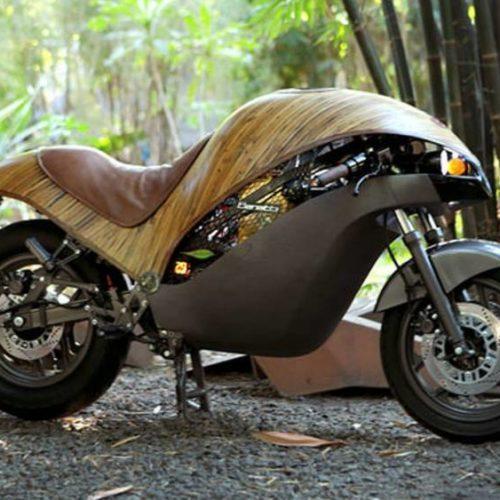 Banatti Green Falcon é uma moto elétrica feita em bambu