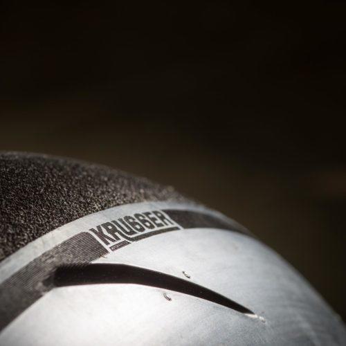 Dunlop desenvolve pneu para a moto Krugger construída à mão