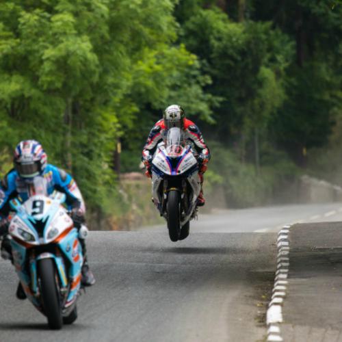 Dunlop vence na prova inaugural do TT da Ilha de MAN