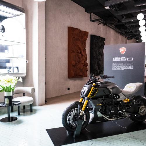Ducati mostra Diavel 1260 S Materico na Semana do Design de Milão