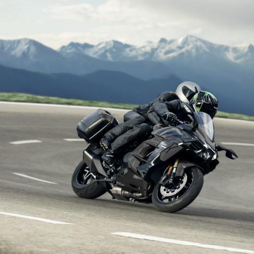 Kawasaki lança Ninja H2 SX ainda mais equipada