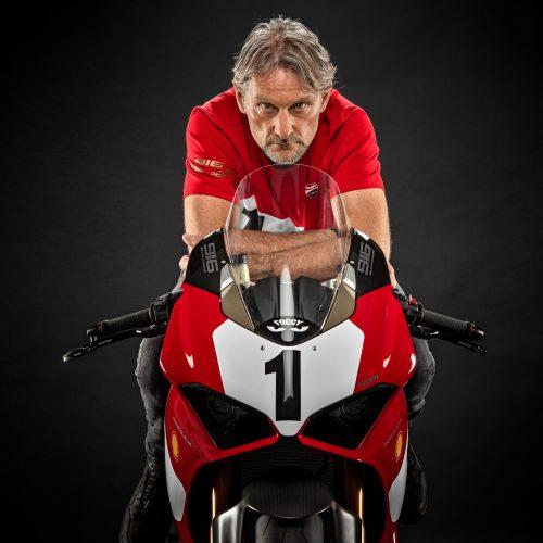 Ducati celebra o 25º aniversário da 916 com edição limitada da Panigale V4