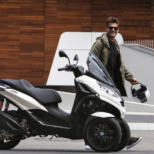Piaggio lança nova MP3 300 HPE de três rodas