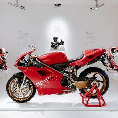 Ducati 916 de Massimo Tamburini chega ao Museu da marca italiana