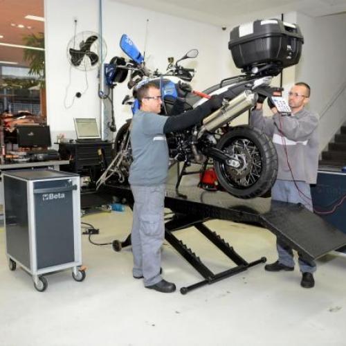 BMW Motorrad Service asseguram assistência e serviço aos clientes