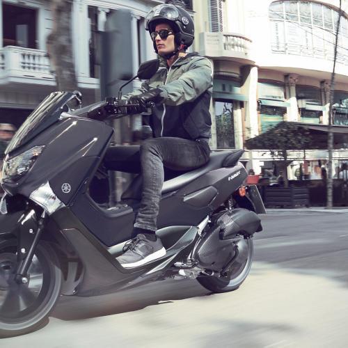 Andar de Yamaha NMAX 125 é agora mais barato