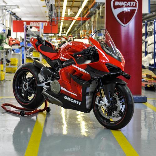 Ducati inicia a produção da Superleggera V4