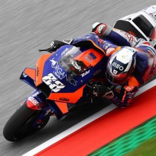 Miguel Oliveira desiste no GP da Áustria depois de queda com Espargaró