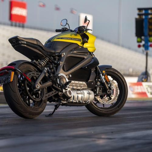 Harley-Davidson elétrica estabelece recorde do mundo em prova de exibição