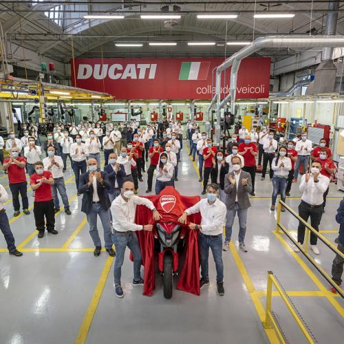 Ducati inicia produção da Multistrada V4 com radar dianteiro e traseiro