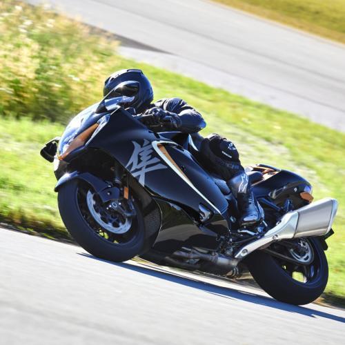 Suzuki escolhe Bridgestone BATTLAX como equipamento de origem da nova Hayabusa