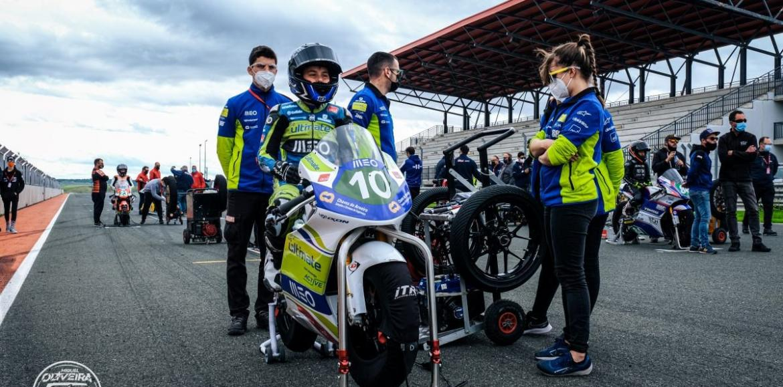 Miguel Oliveira Fan Club Racing Team com vida complicada em Navarra