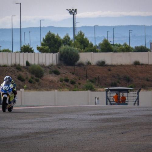Quarteto MOFC Racing Team ultrapassa chuva de Aragón