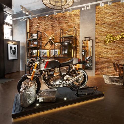 Triumph e Breitling querem explorar novos horizontes