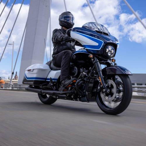 Harley-Davidson lança modelo Street Glide Special com pintura exclusiva