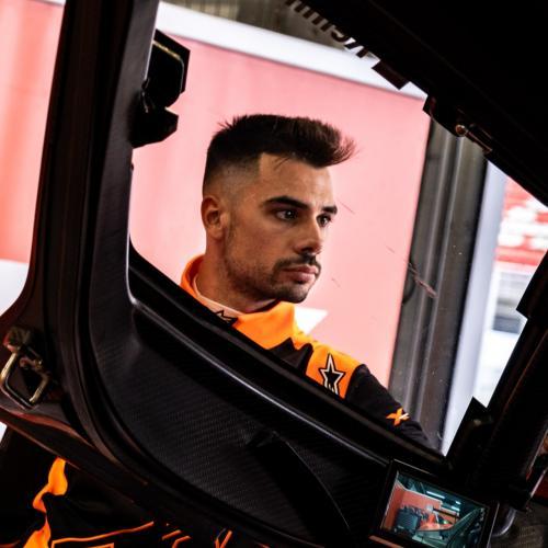 Miguel Oliveira experimenta as sensações do KTM X-Bow GTX